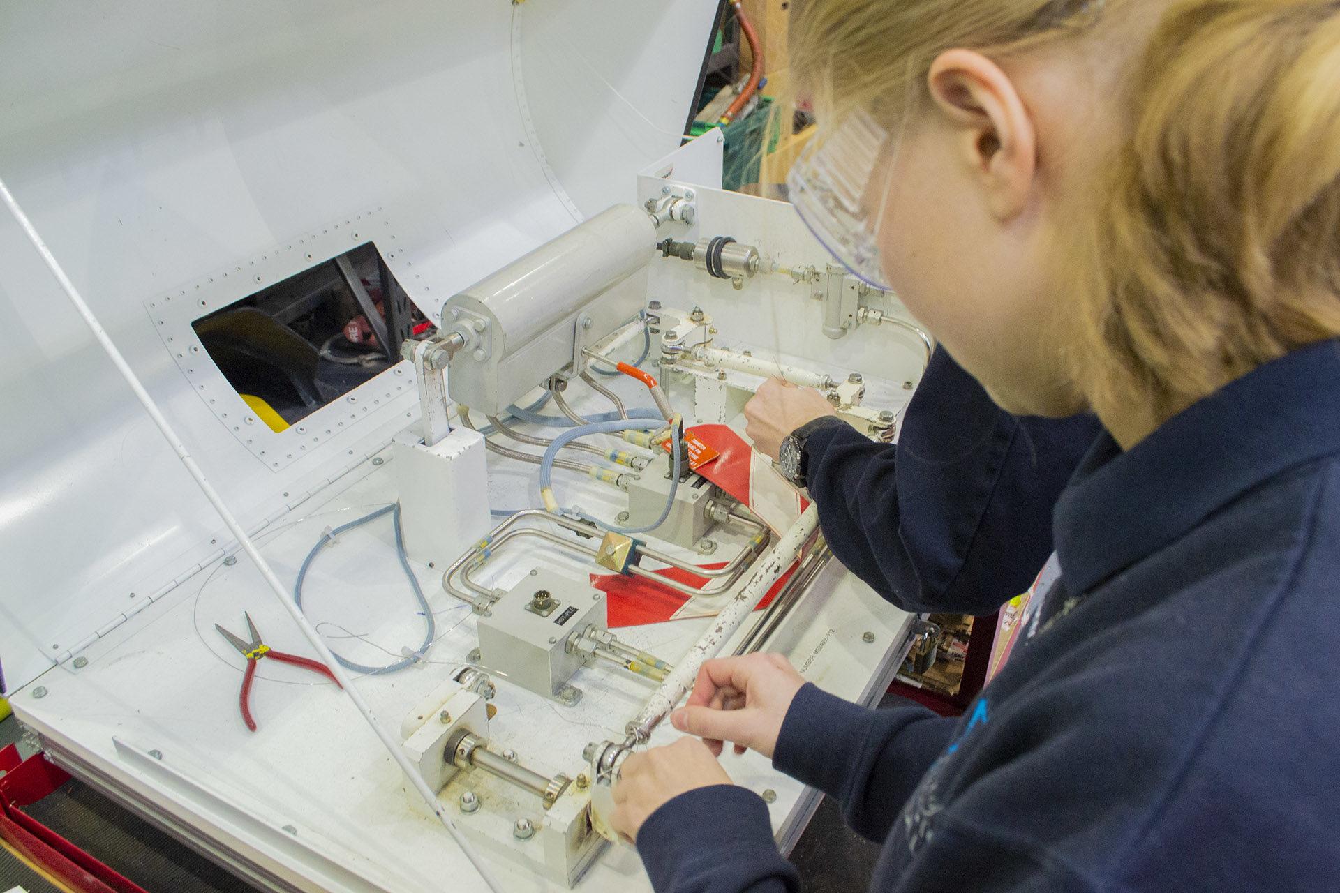 Aircraft Maintenance Engineering course EASA_6