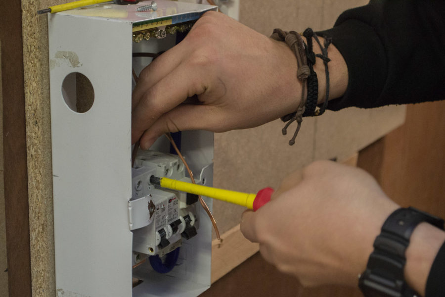 Student wiring fuse board