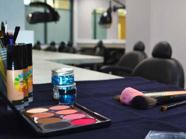 Hair & beauty. Cosmetic makeup