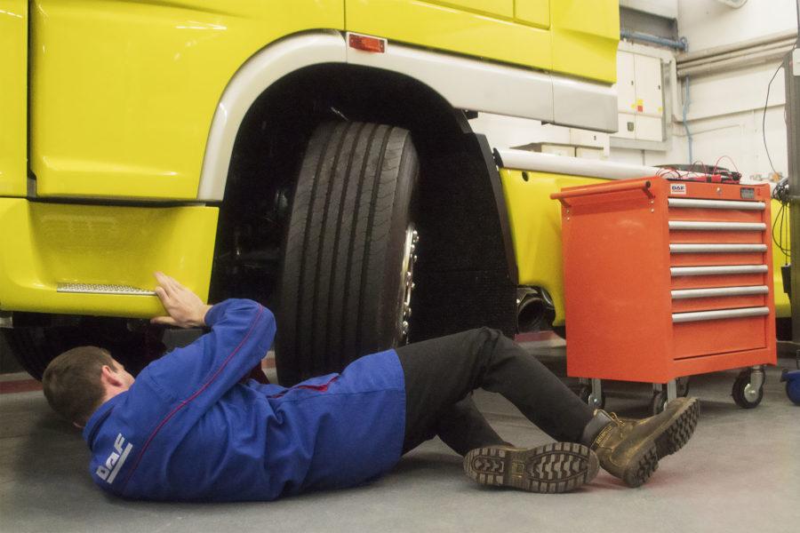 Heavy vehicle student